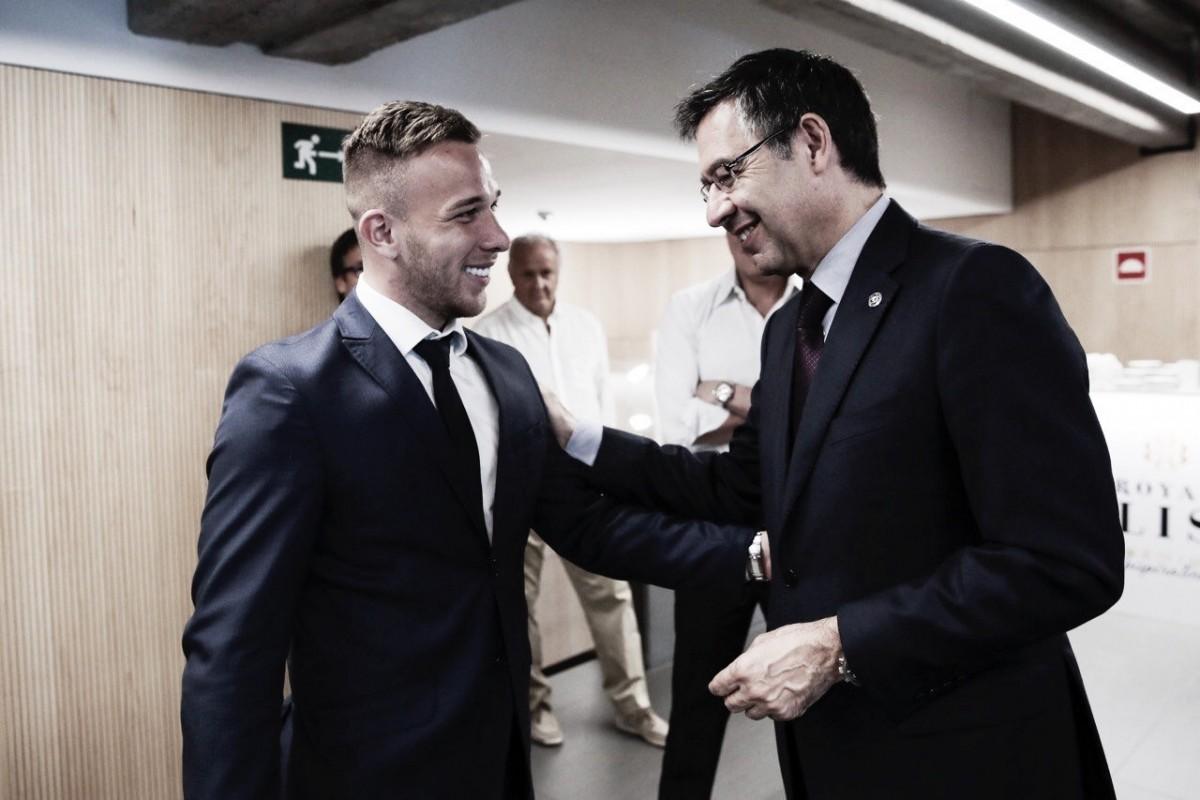 Bartomeu comemora contratação de Arthur pelo Barcelona