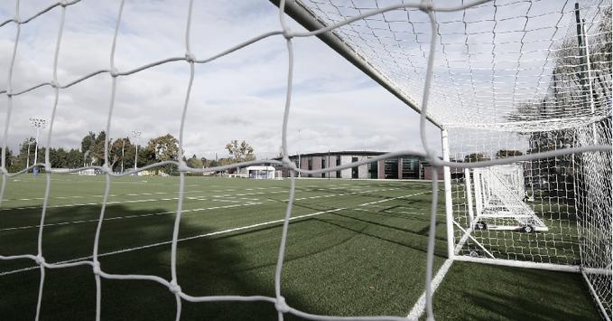 Clubes do Campeonato Inglês aprovam retomada dos treinos na terça-feira
