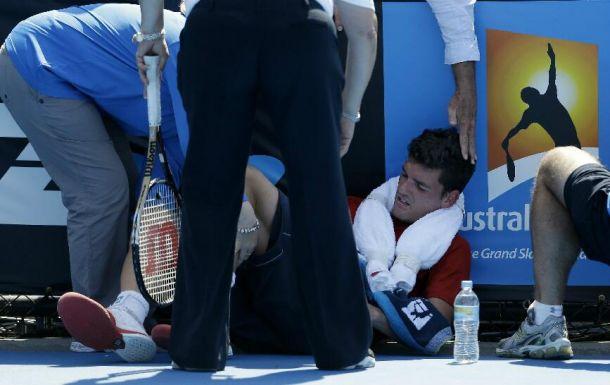 Canadense passa mal e tem seu jogo paralisado no Australian Open