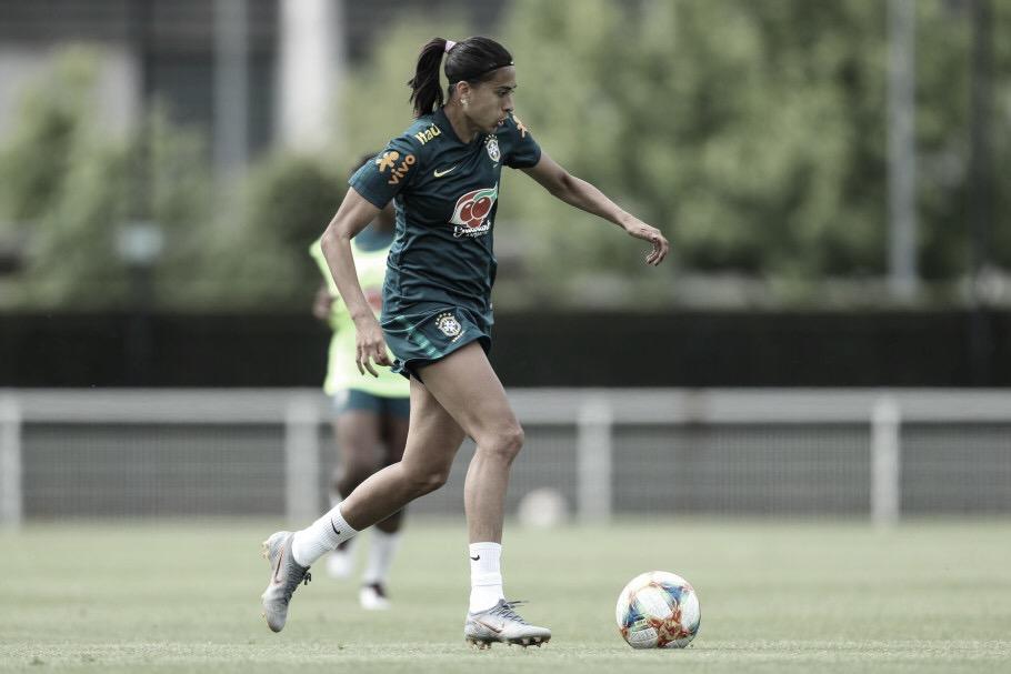 Desfalque de última hora: Andressa Alves tem lesão na coxa e não encara Itália em jogo decisivo