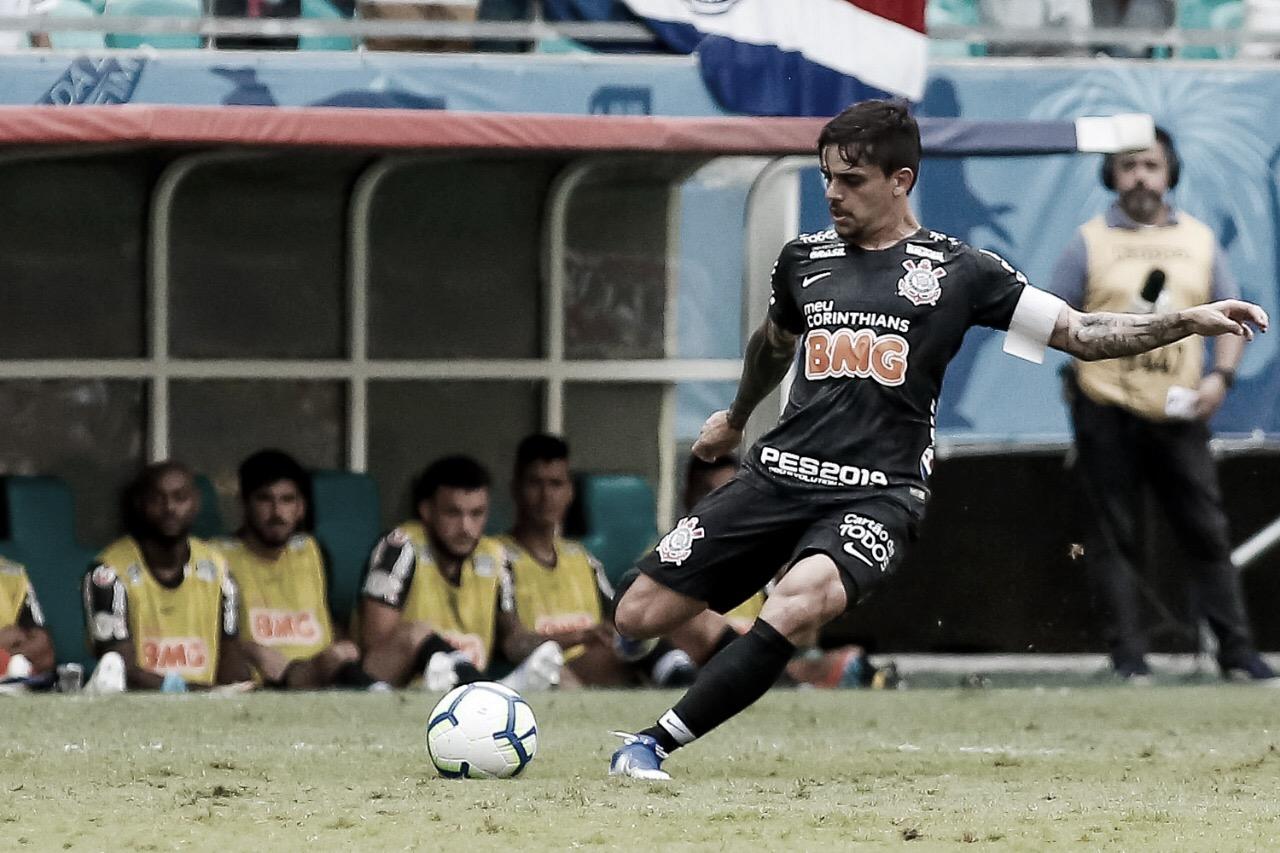 Bahia vence Corinthians de virada na Fonte Nova e inicia Brasileiro com pé direito