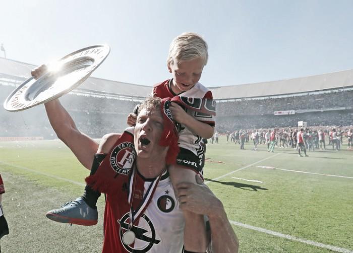 Dirk Kuyt anuncia aposentadoria após conquista do Holandês pelo Feyenoord