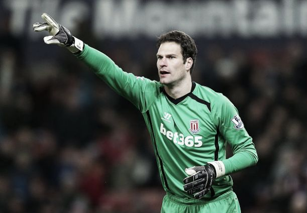 Can Asmir Begovic fill the gloves of Petr Cech?