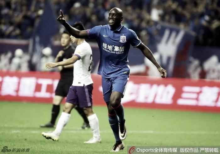 Na abertura da 11ª rodada da Liga Chinesa, Demba Ba marca mas Shenhua só empata