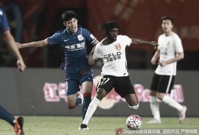 Adversários vacilam e Guangzhou dispara na ponta na China