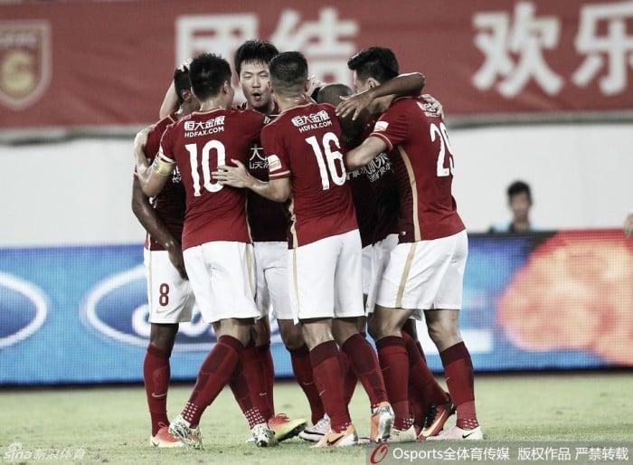 14ª rodada chinesa tem Guangzhou abrindo vantagem e trocas na parte de baixo da tabela