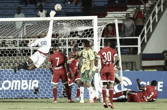 Carlos Bejarano renovó su contrato con el DIM y con América