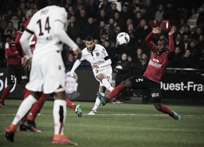 Homenageando a Chapecoense, Nice derrota Guingamp e mantém liderança na Ligue 1