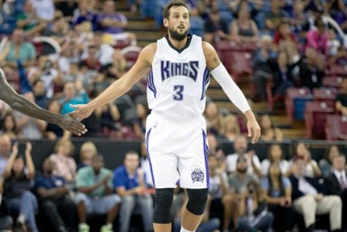 NBA: Belinelli non basta contro Philadelphia, i Clippers bombardano Charlotte
