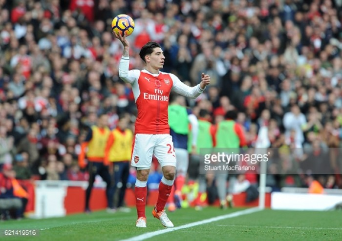 Arsenal right-back Hector Bellerin ruled out until December