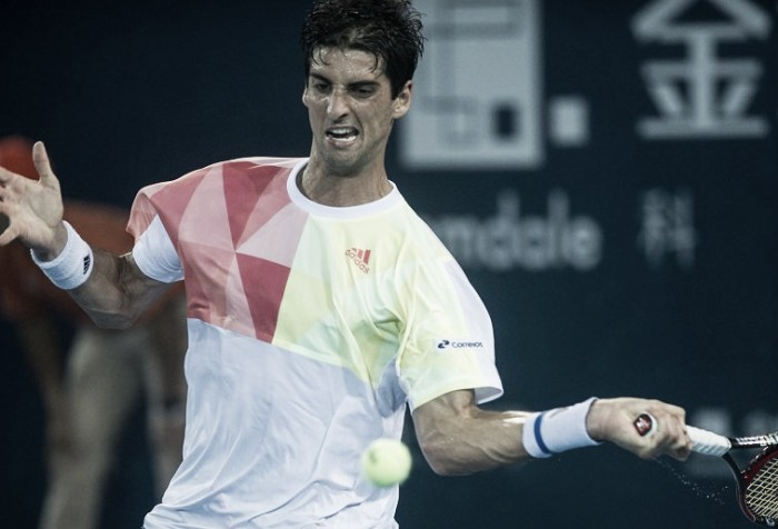 Thomaz Bellucci surpreende Tomic e vai à semifinal do ATP 250 de Shenzhen