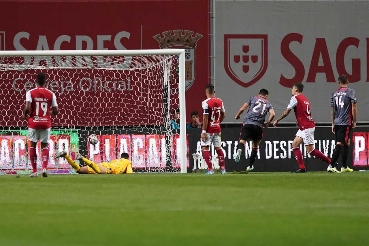 SL Benfica goleia em Braga