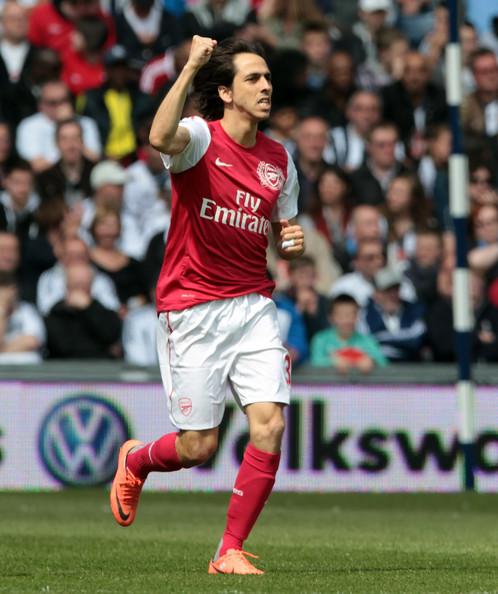 Arsenal joue avec le feu mais se qualifie