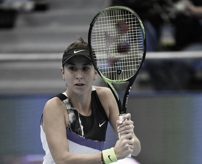 Garantida no WTA Finals, Bencic vira para cima de Pavlyuchenkova e é campeã em Moscou