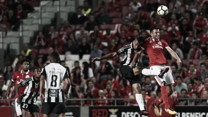 Con presencia argentina, Benfica ganó y sigue al acecho
