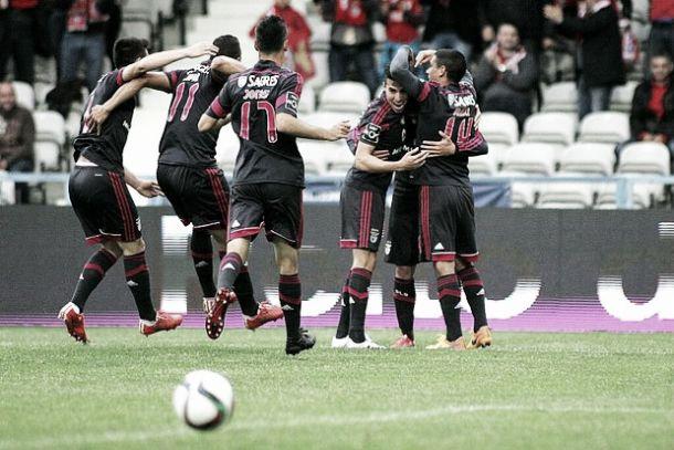 Embalado para o bicampeonato, Benfica goleia e despacha galo de Barcelos