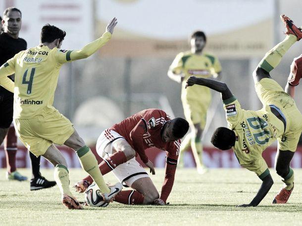 Eficácia empurra Benfica para a frente