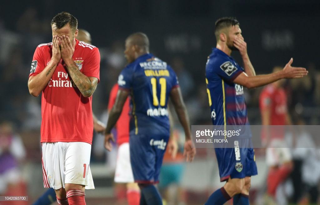 Benfica escorrega em Chaves