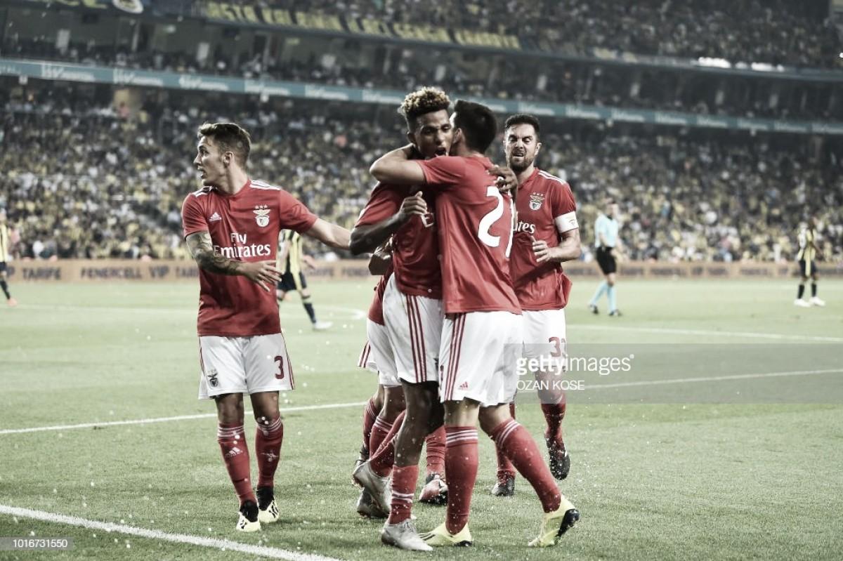 Empate garante ao Benfica passagem à próxima fase