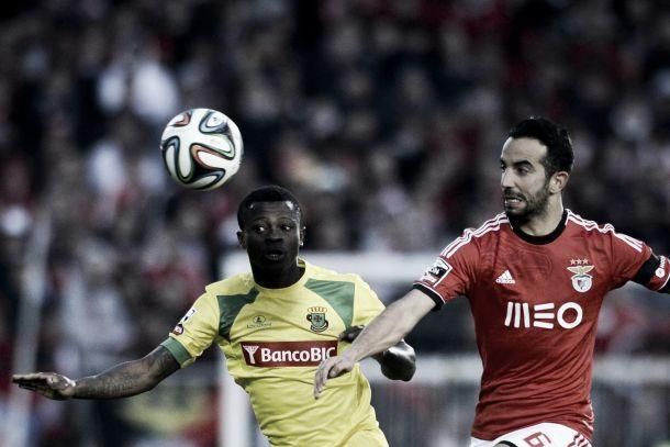 Benfica mede forças com Paços de Ferreira