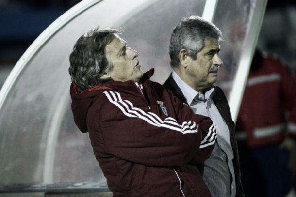Planear épocas não é o forte do Benfica de Jesus e Vieira