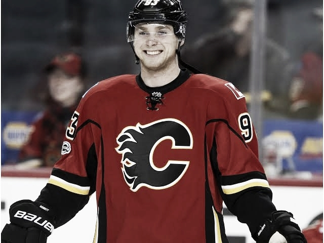 Los Flames firman dos años a Sam Bennett