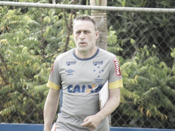 Mistério total no Cruzeiro: Paulo Bento não divulga titulares que enfrentam Figueirense