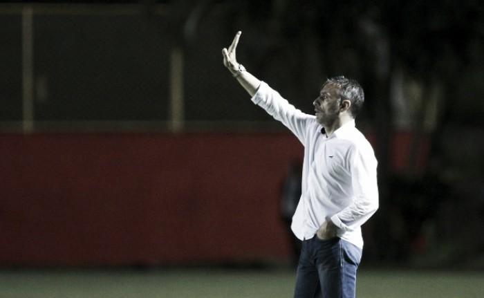Paulo Bento minimiza vantagem obtida contra Vitória na Copa do Brasil; Willian celebra triunfo