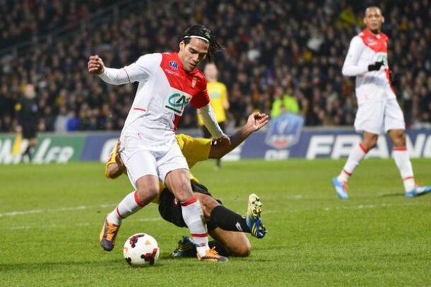 Lésion du ligament croisé du genou gauche pour Radamel Falcao