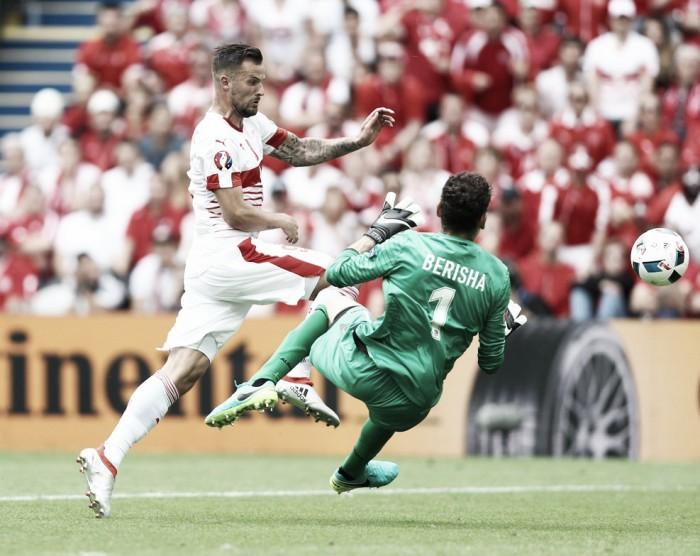 Suiza castiga a una Albania que mereció el empate
