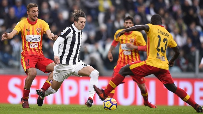 Juventus - Opzione Bernardeschi e Douglas Costa per la Sampdoria