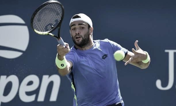 Berrettini aproveita queda física de Moutet e avança no US Open