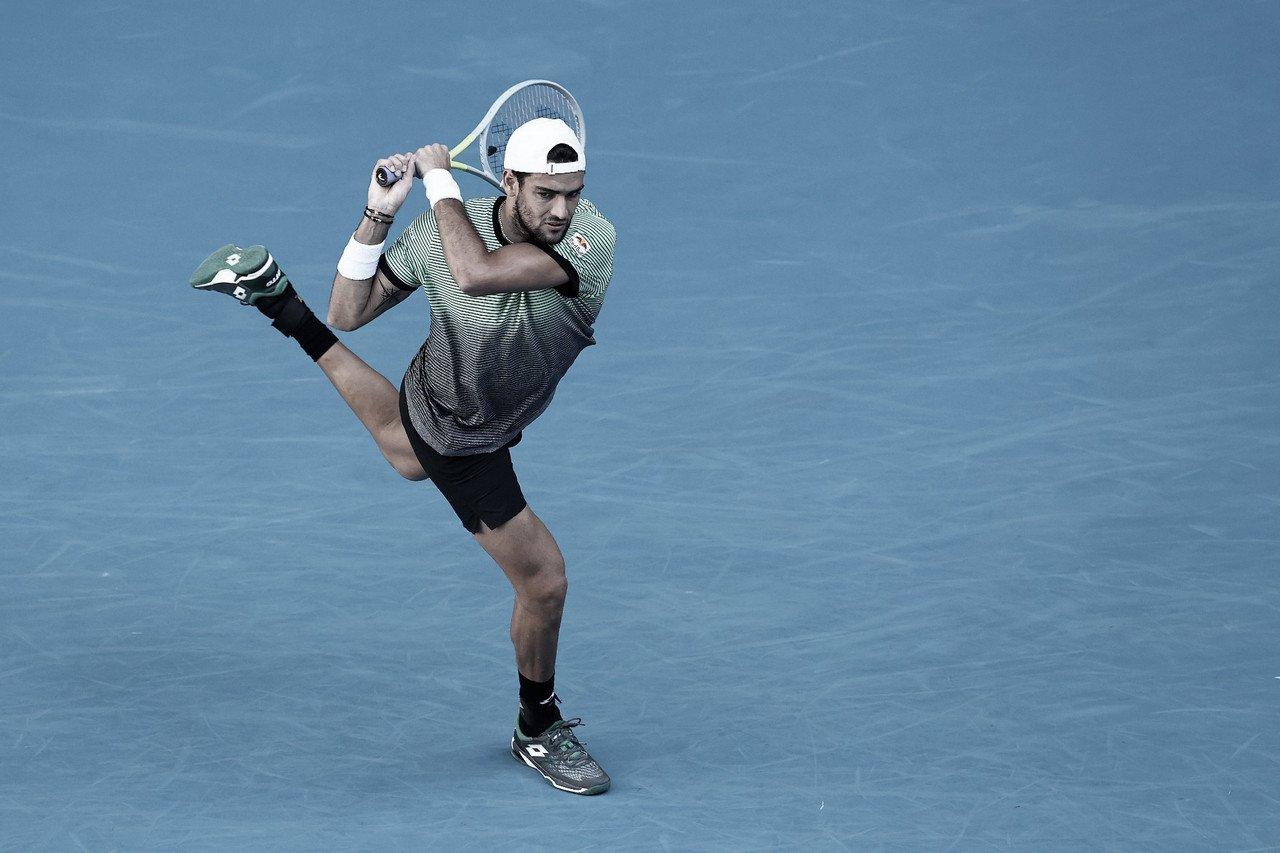 Em três tiebreaks, Berrettini supera Khachanov no Australian Open 2021