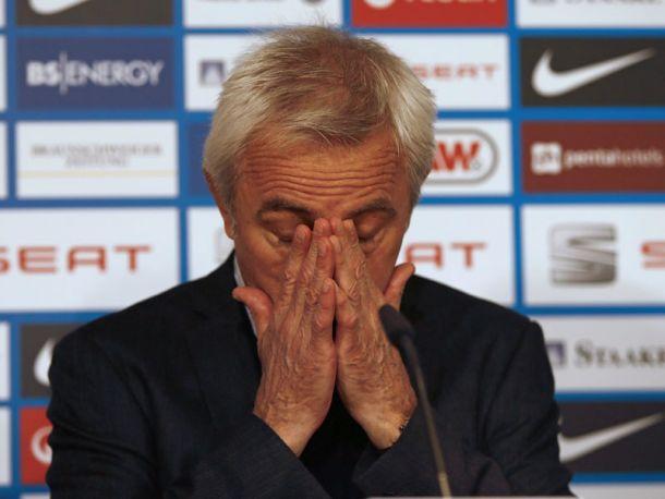 Bert van Marwijk não é mais treinador do Hamburgo