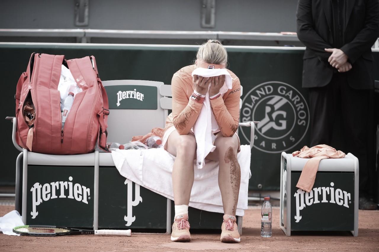 VÍDEO: Bertens sai de cadeira de rodas após vitória dramática contra Errani em Roland Garros