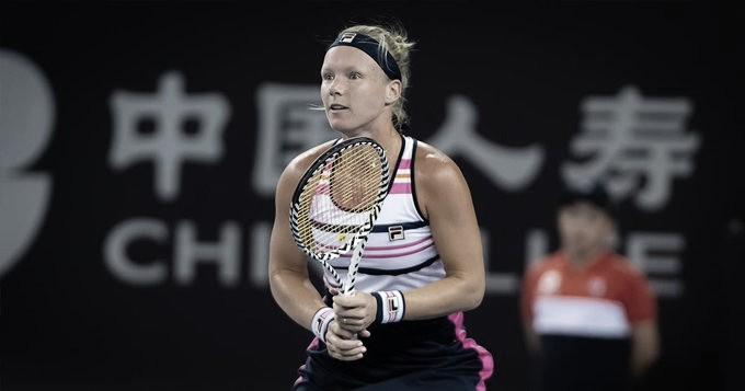 Bertens bate Svitolina em confronto direto por vaga no WTA Finals e está nas semis em Pequim