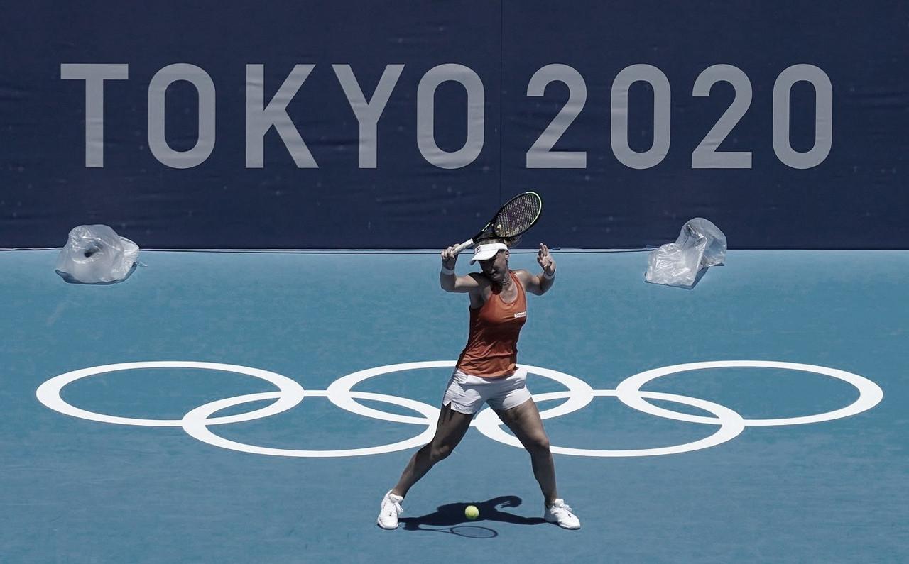 No último torneio da carreira, Bertens cai para Vondrousova na estreia em Tóquio; Bencic segue