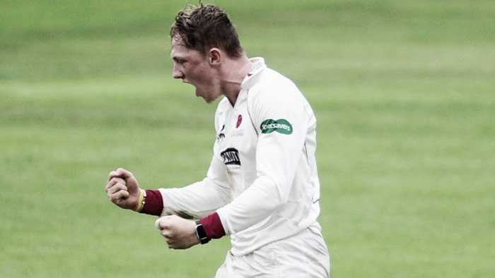 Somerset complete thrilling 31-run win over Warwickshire to remain in County Championship title contention