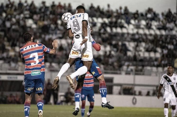 Para ficar com um pé na primeira divisão, Fortaleza recebe a Ponte Preta