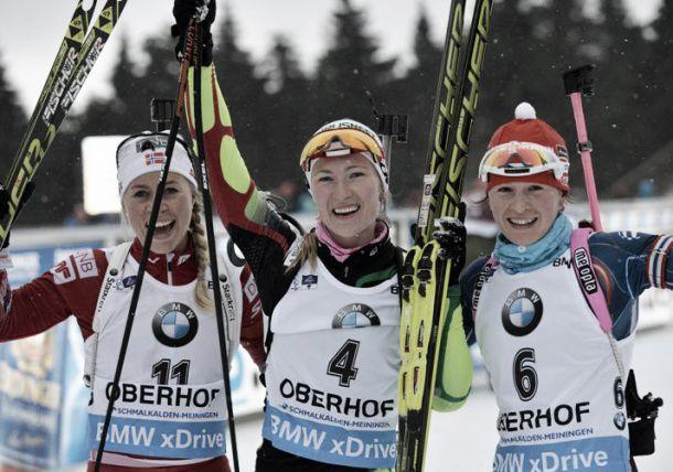Biathlon, Domracheva regina della mass start a Oberhof