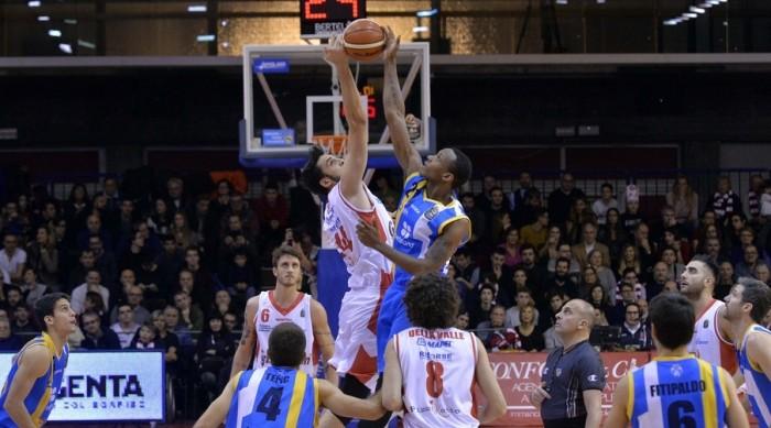 LegaBasket - Reggio c'è, Orlandina sconfitta 80-70