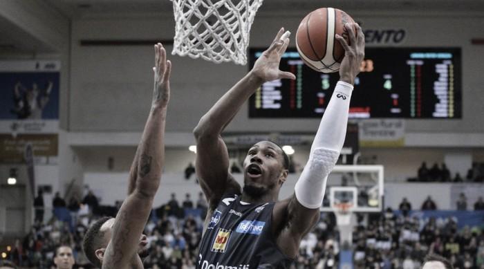 LegaBasket Serie A - La Dolomiti vince ancora, Venezia cede al PalaTrento (65-57)