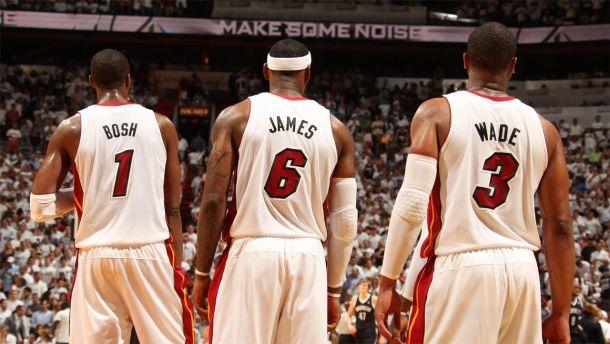 Wade e Bosh prolungano coi Miami Heat, per LeBron massimo salariale?