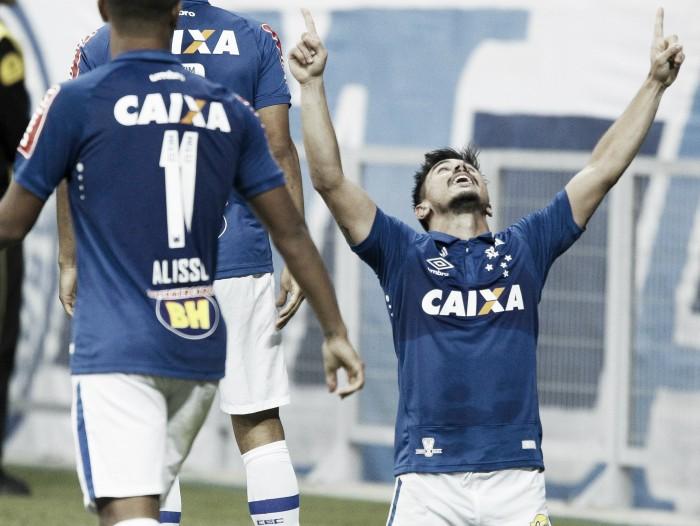Willian desencanta, Cruzeiro bate Palmeiras e conquista primeira vitória em casa no Brasileirão