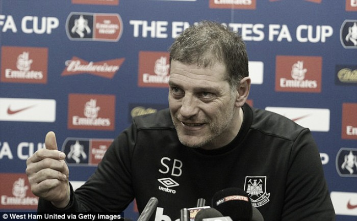 "Slaven Bilic cautious of United's ""wounded lions"""