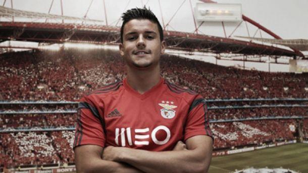 Benfica vende Loris Benito e adensa lista de defesas esquerdos falhados