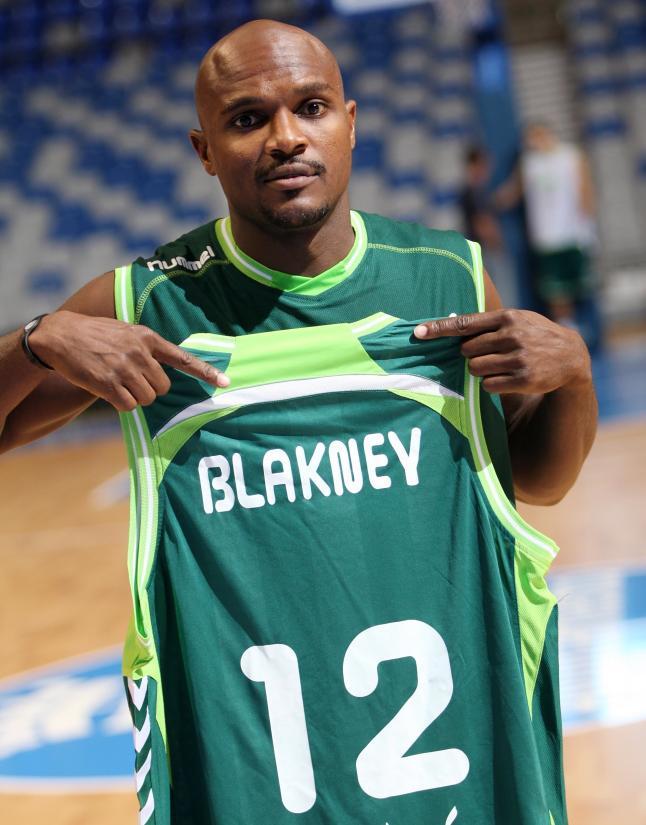 Blakney ficha por el Cajasol