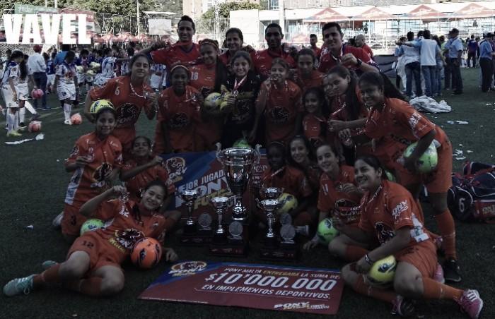 Bloques de Limonar Campeón Pony Fútbol 2017 femenino: Las caleñas 'bailaron' fútbol en Medellín