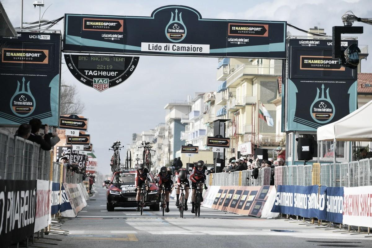 Tirreno-Adriatico, cronosquadre alla BMC. Damiano Caruso maglia azzurra