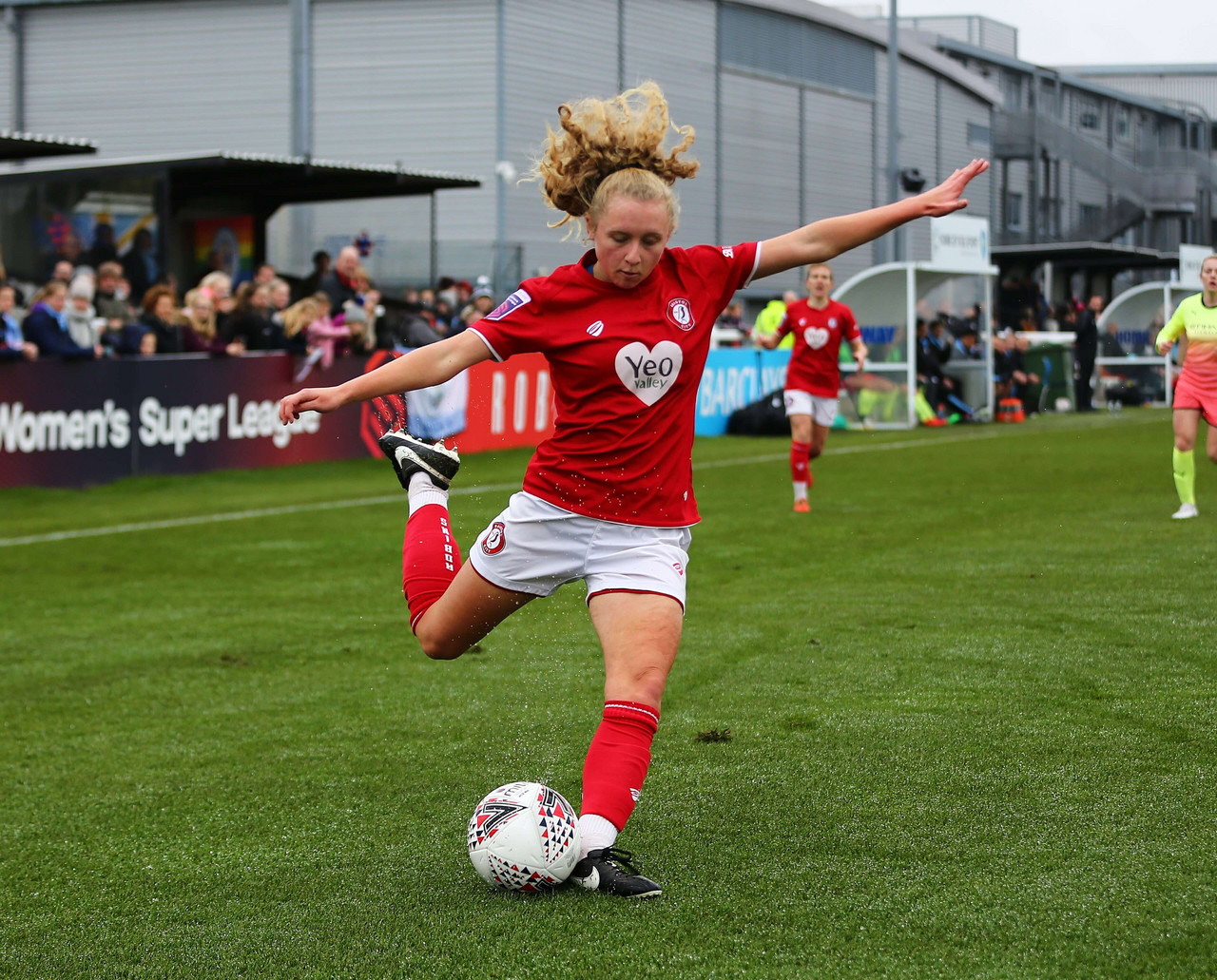 Brighton sign Lionesses youth international Katie Robinson
